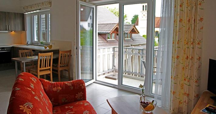 """Ferienwohnung """"Deixlfurter See"""" - Blick zum Balkon"""