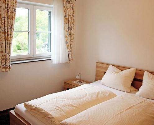 """Ferienwohnung """"Maisinger See"""" - Schlafzimmer"""