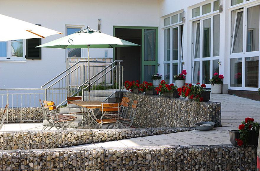 Eingangsbereich und Sonnenterrasse